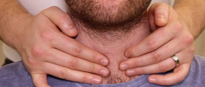 Thyroid lobe palpation